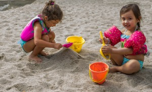 children sand Mariamichelle pixabay
