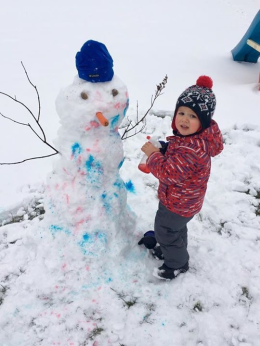 jayden-paints-his-snowman